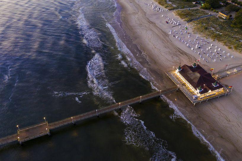 Seebrücke von Ahlbeck auf der Insel Usedom von Werner Dieterich