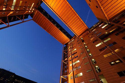 Het studentencomplex aan de Cambridgelaan op de Uithof in Utrecht (2) van Donker Utrecht