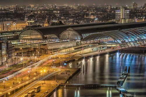 Centraal station Amsterdam van Peter Bijsterveld