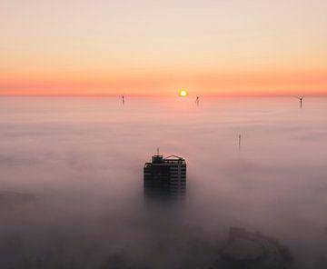Belle matinée brumeuse à Alkmaar, Hollande du Nord sur Nick de Jonge - Skeyes