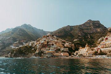 Positano Italië vanaf de Middellandse zee | Amalfikust van sonja koning