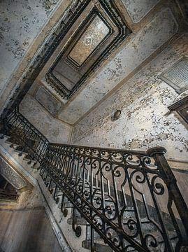 Trappenhal in een verlaten Italiaans ziekenhuis