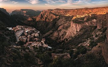 Jebel Akhdar Canyon Panorama im Oman von Jean Claude Castor