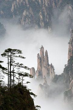 Bijzondere rotsformaties in Huangshan, China von Simon Hazenberg