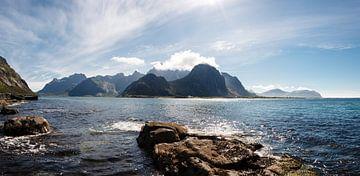 Flakstad Lofoten van Paul Oosterlaak