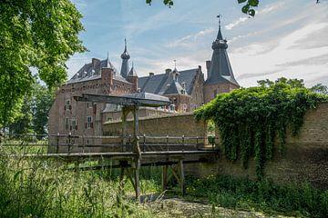 Ophaalbrug van kasteel Doorwerth in Nederland van Joost Adriaanse