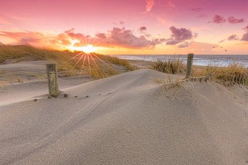 Pastell Sonnenuntergang in Dünen von Rob Kints