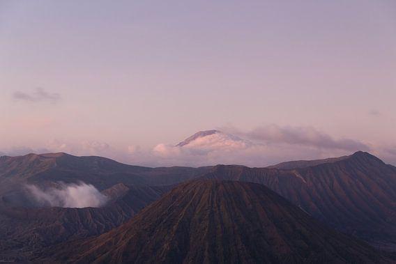 Indonesische Vulkanen: Mount Bromo & Semeru van Thijs van den Broek