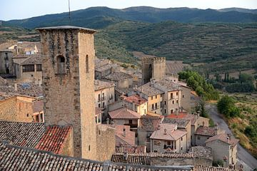 Blick über Sos del Rey Catolico, Aragon, Spanien von Koolspix