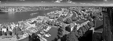 Altstadt Dordrecht von Grote Kerk schwarz gesehen / weiß