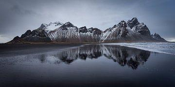 Berg reflectie (IJsland) van