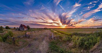 Texel Schapenboet den hoorn bizarre lucht van Texel360Fotografie Richard Heerschap