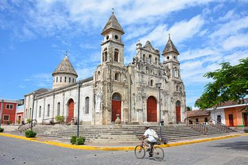 Guadeloupe kerk in Granada Nicaragua van My Footprints