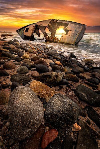 Sonnenuntergang am Schiffswrack von Costas Ganasos