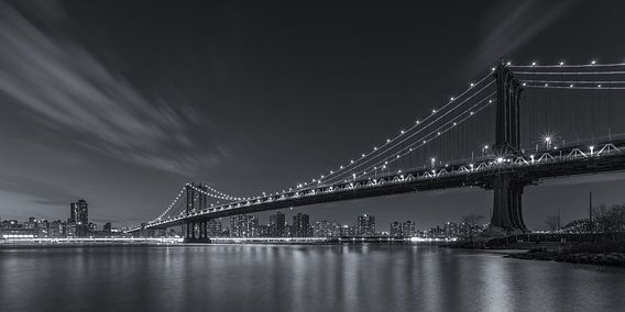 New York Skyline - Manhattan Bridge (2) van Tux Photography