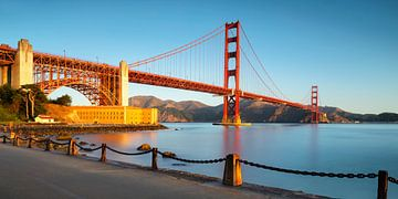 Golden Gate Bridge bij zonsopgang, San Francisco, Californië, VS van Markus Lange