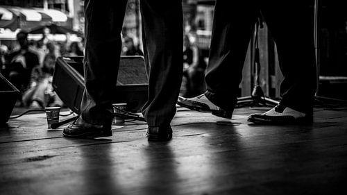 Dansende muzikanten stappers