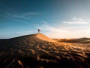 Dansend in de woestijn van