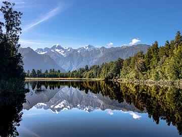 Het prachtige spiegelmeer Lake Matheson van Rik Pijnenburg