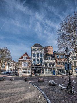 Utrechts straatbeeld met fiets en lantaarnpaal sur Harrie Muis