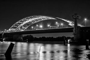 Brienenoordbrug bij nacht