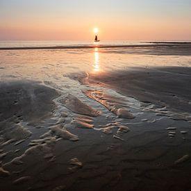 Living by the sea van Bob Daalder
