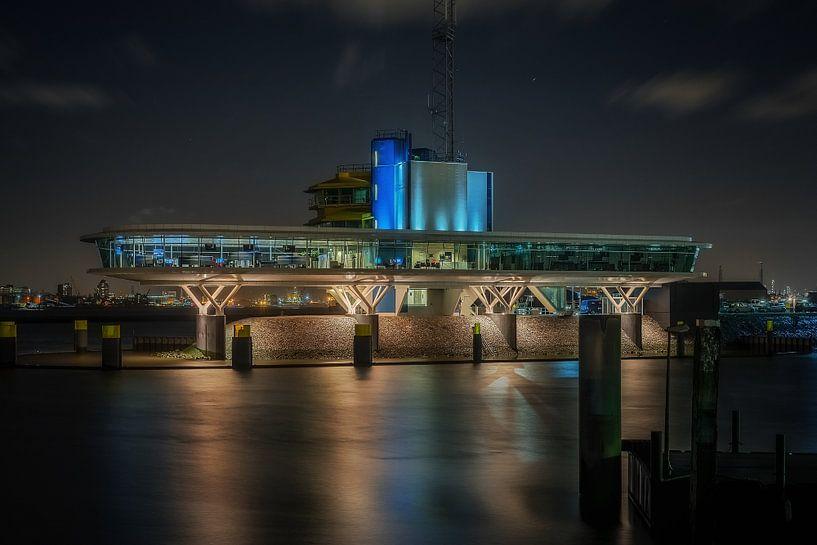 Verkeerscentrale Rotterdam van Nico Dam