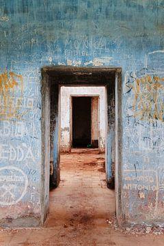 Farbenfroh verlassenes Gebäude