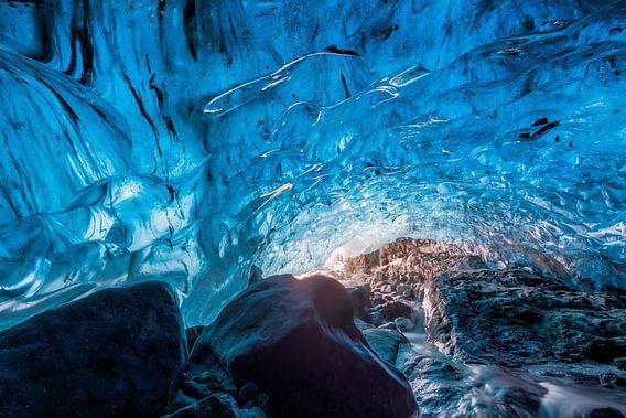 IJsgrot in magisch blauw... van Karla Leeftink