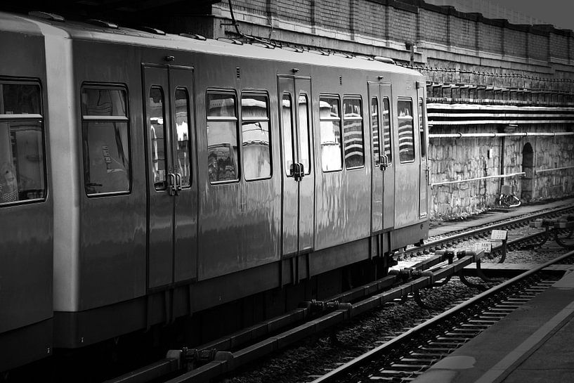 metro van Roy Mikes