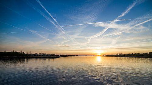 Zonsondergang boven de Amer van Thomas van der Willik