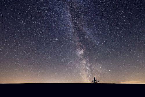Sternenhimmel und Radfahrer