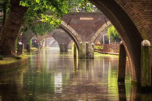 Zicht op de Hamburgerbrug, de Weesbrug, Smeebrug, Geertebrug en Vollersbrug in Utrecht