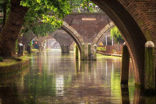 Zicht op de Hamburgerbrug, de Weesbrug, Smeebrug, Geertebrug en Vollersbrug in Utrecht van