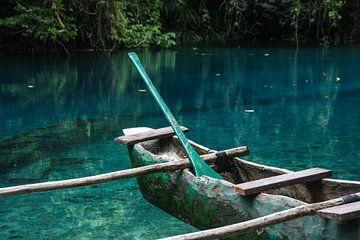Outrigger kano in Blue Hole van Erwin Blekkenhorst