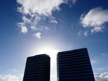 WTC Arnhem met wolken en blauwe lucht van Petra Dielman