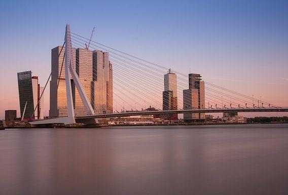 skyline van rotterdam van Ilya Korzelius