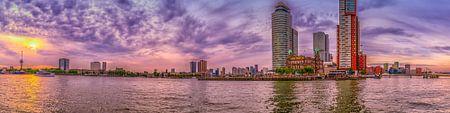 Rotterdam - Euromast et Wilhelmina quai au coucher du soleil sur Rene Siebring