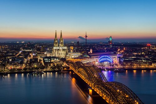 Cologne Skyline van Michael Valjak