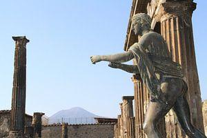 Romeins standbeeld in Pompeï