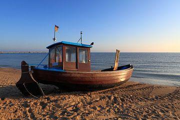 Fischerboot am Meer von Frank Herrmann