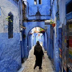 Medina in shades of blue van Zoe Vondenhoff