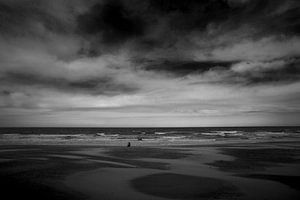 Zeezicht met wolken en golven van