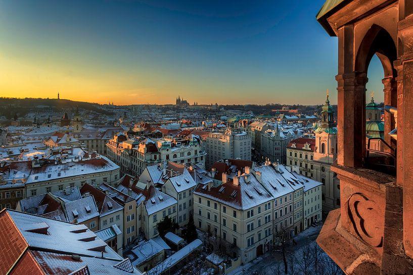 Uitkijktoren op het kasteel van Praag van Roy Poots