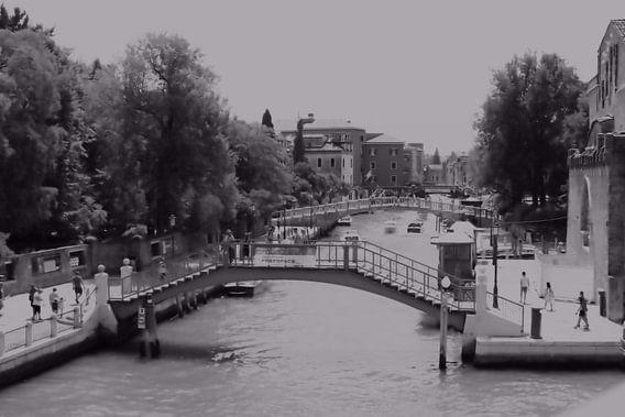 Bruggen van Venetië en Kanaalscène BW