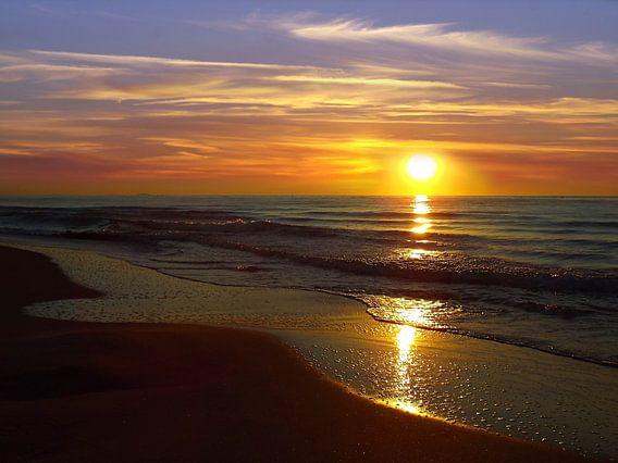 Sonnenaufgang am Meer in Frankreich