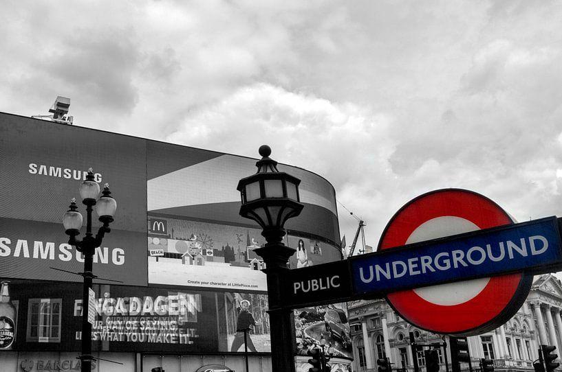 London Underground Piccadilly Circus van Mark de Weger
