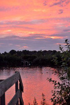 zonsondergang kristalbad van Petra De Jonge