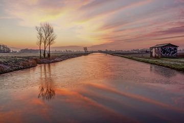 landschap met weerspiegeling in water van Dirk van Egmond