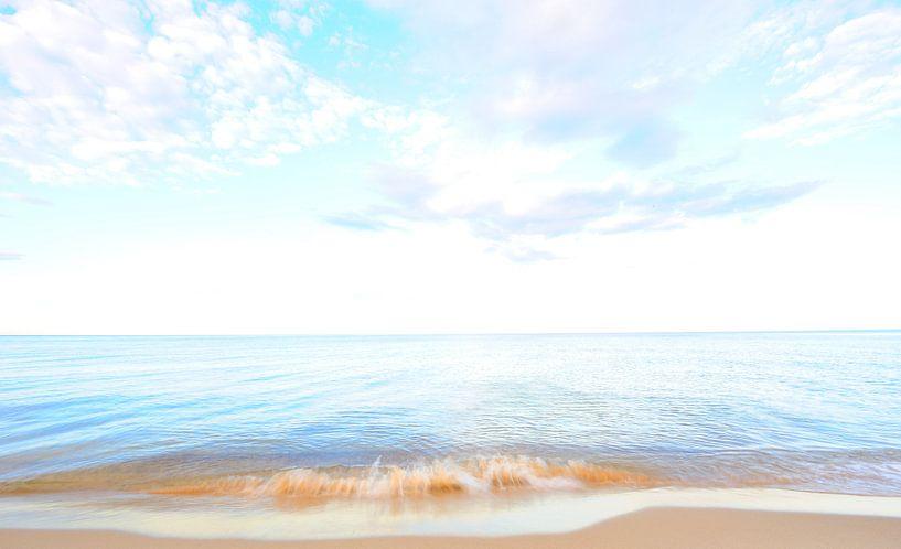 Wellen am Strand von Lars Tuchel